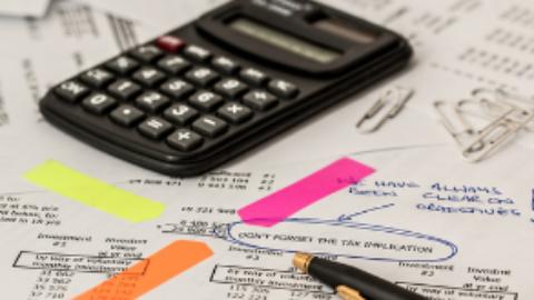 Le moment est aux règlements des impôts locaux !